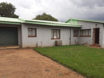BARGAIN 3 BEDROOM HOUSE FOR SALE IN FOCHVILLE