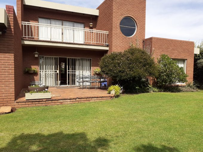 3 BEDROOM HOUSE WITH FLATLET AND POOL FOR SALE IN CARLETONVILLE